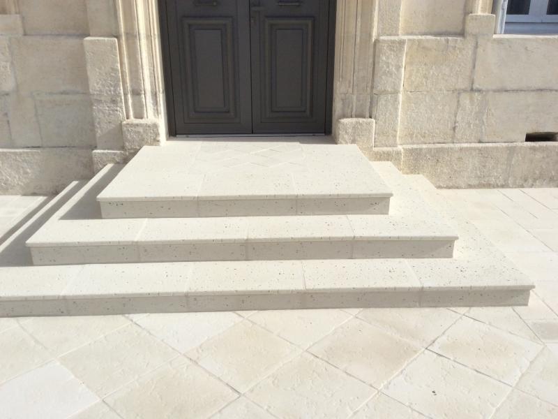 Dallages pierre reconstituée Poupelin