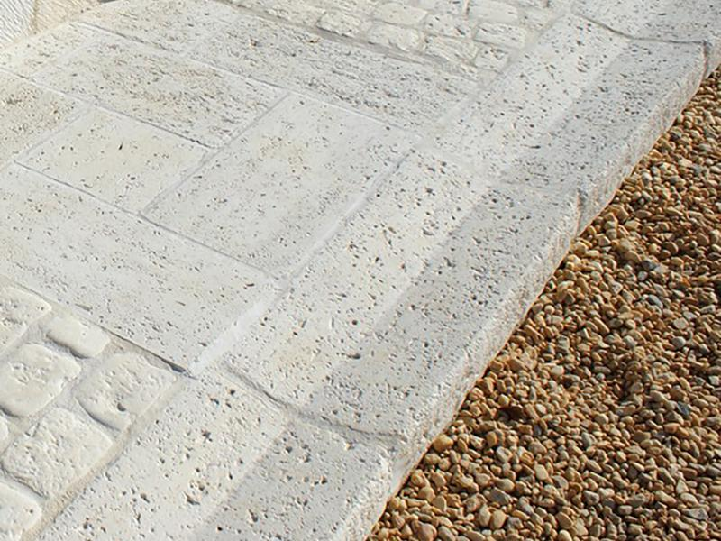 CANIVEAU pierre reconstituée Poupelin