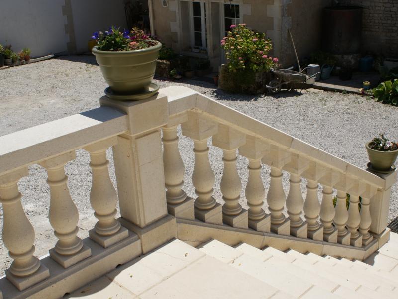 Balustrade pierre reconstituée Poupelin
